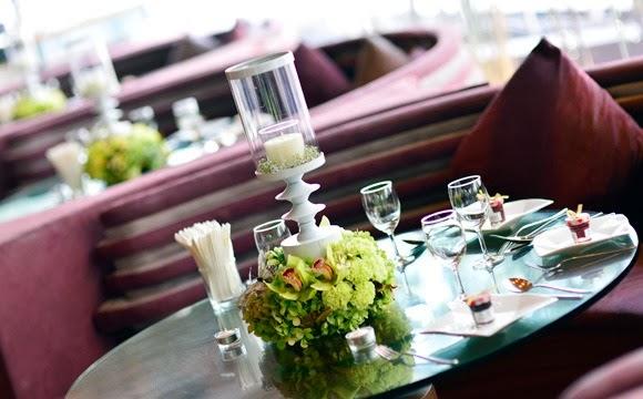 table cloth maroon