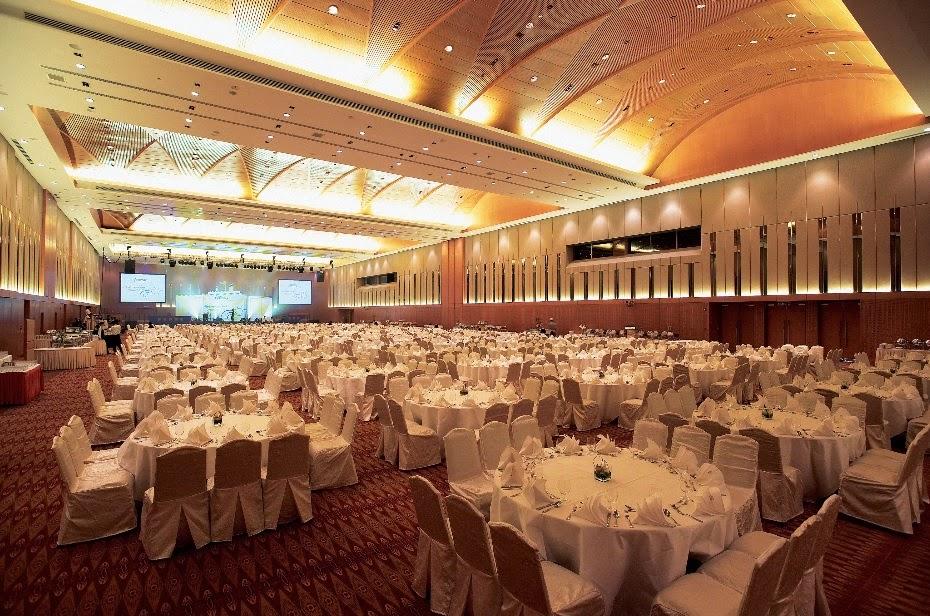 concave ceiling ballroom biggest wedding malaysia klcc
