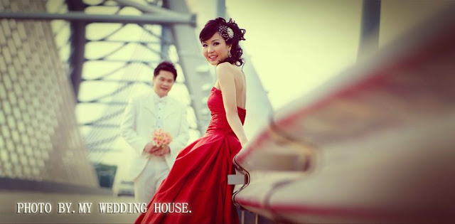 bride in red dress