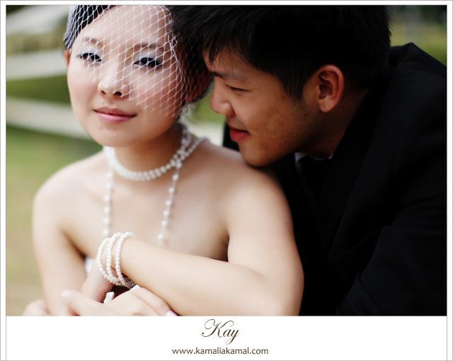 bridal photo pearls strings