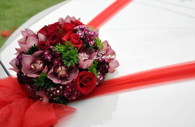 wedding car red ribbon
