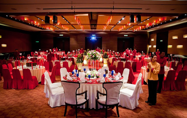 reception red color
