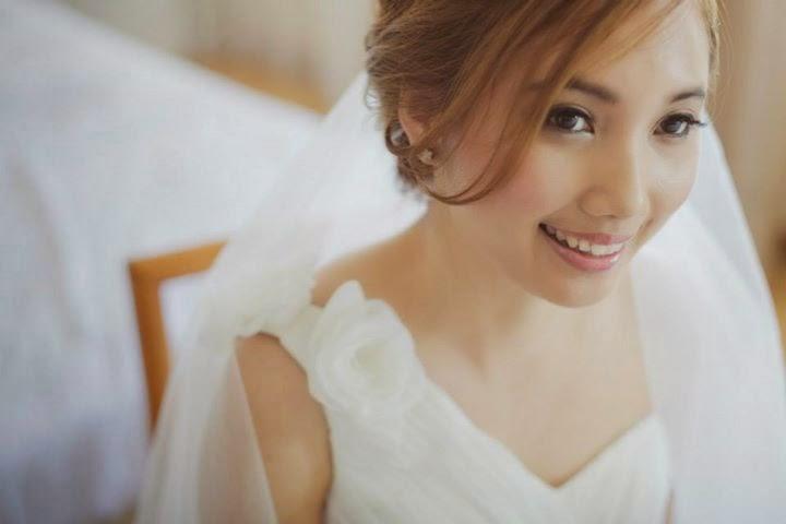 blur dress with flower shoulder