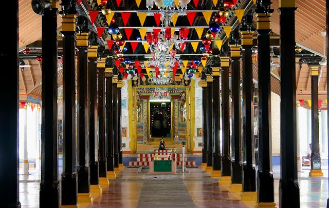passage to the garbhagriha