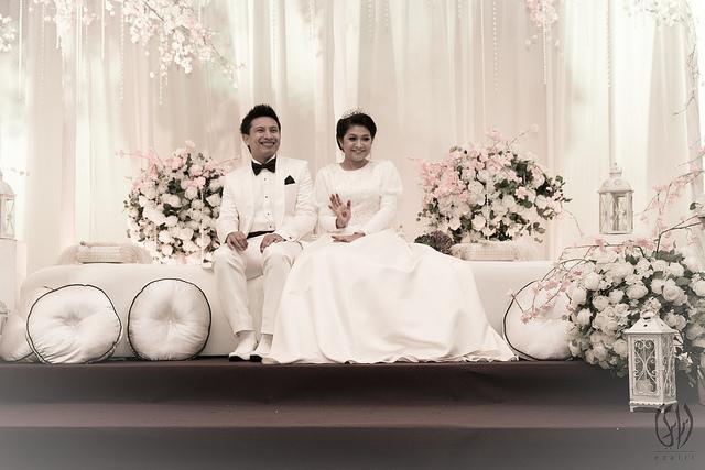 baju kahwin putih