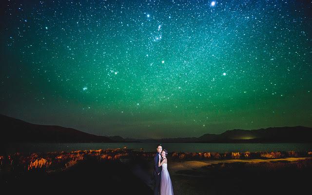 aurora at lake tekapo