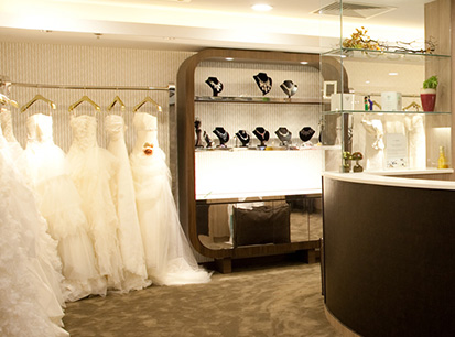 gown display