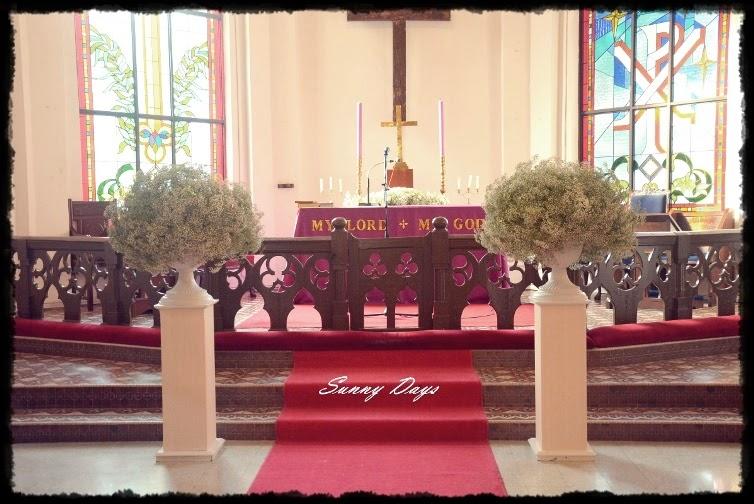 babys breath church wedding