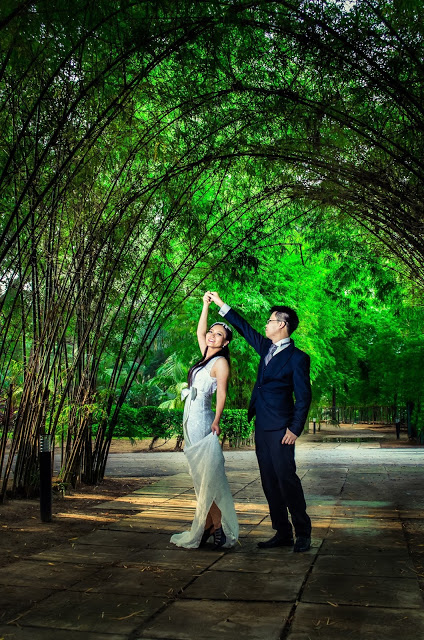 Tree arch pre-wedding photography Sepang avani gold coast