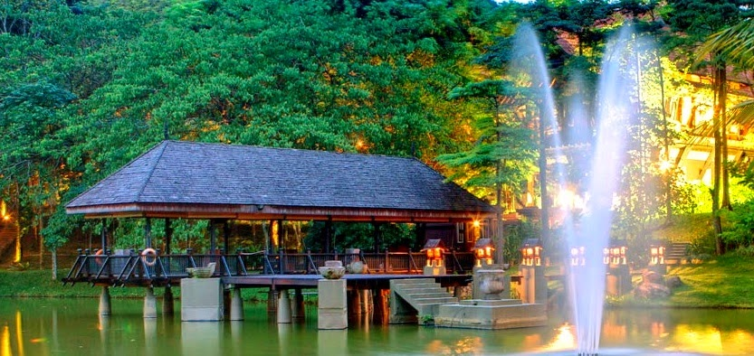 lake and water fountain wedding venue Malaysia