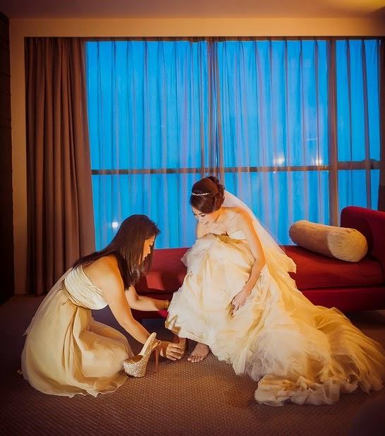 golden high heels wearing on wedding