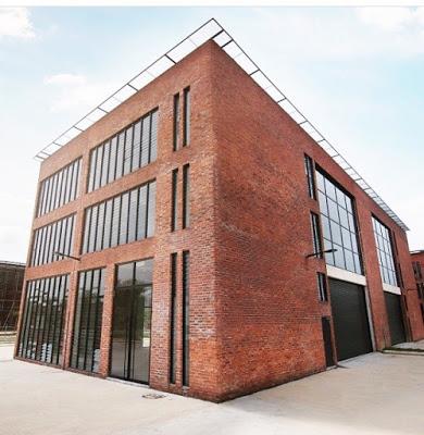 Lakesight Galleria brick exterior venue