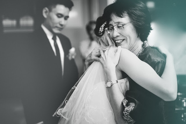 bride mom