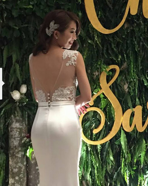 extremely elegant bridal dress