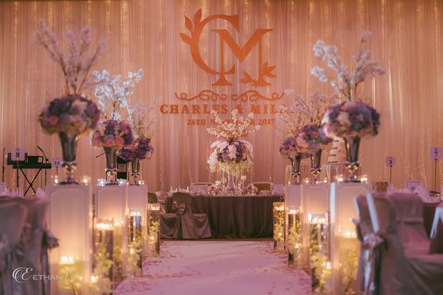 hotel wedding extensive decor