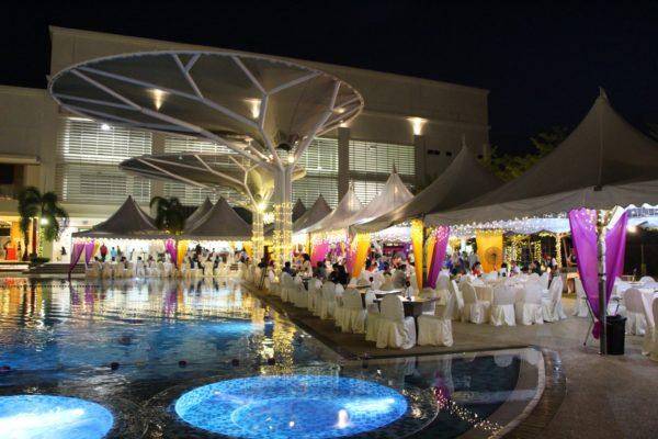 Poolside wedding glam