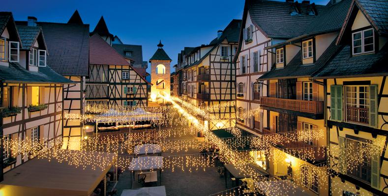 Colmar Tropicale - The Square berjaya hills wedding fairy lights