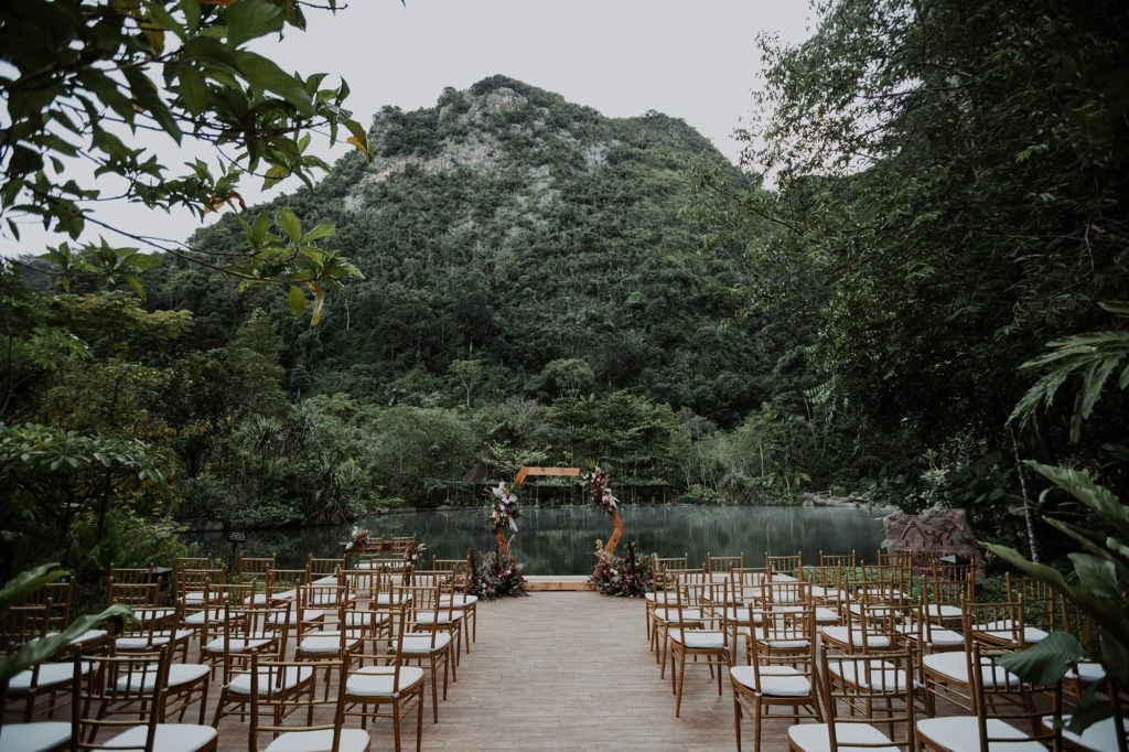 The-Banjaran-Hotsprings-Retreat garden wedding lake munkeat thenextbigthing-decor
