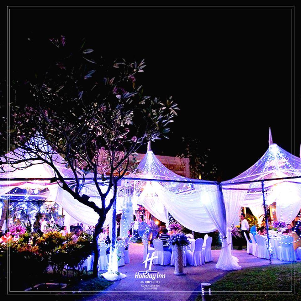 holiday inn glenmarie wedding outdoor garden selangor transparent tent Malaysia