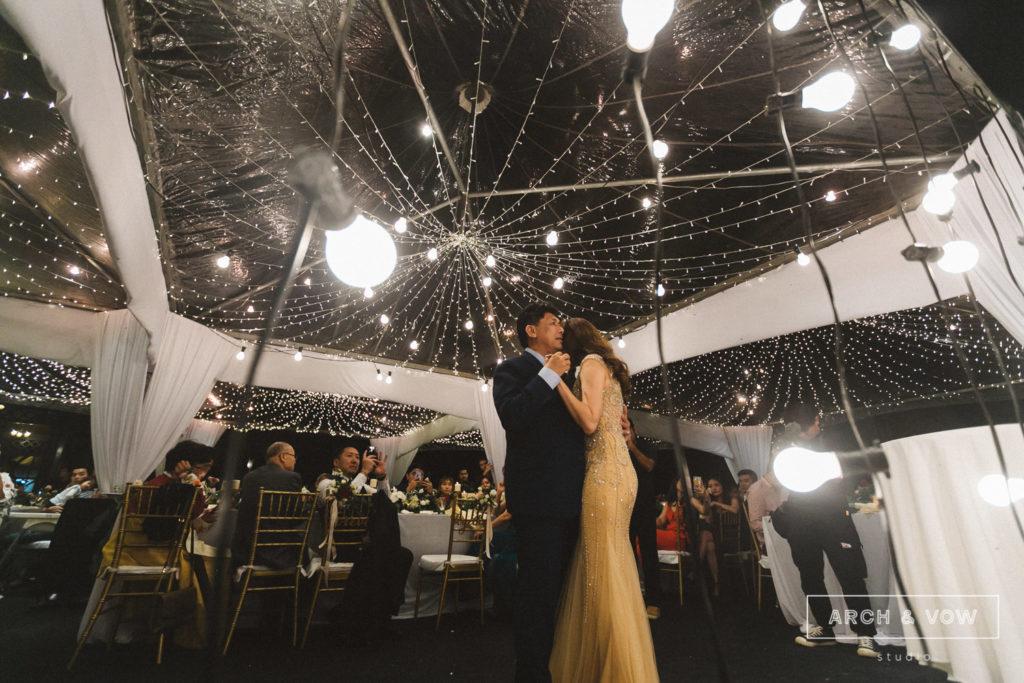 puncak dani arch & vow wedding cool weather transparent tent