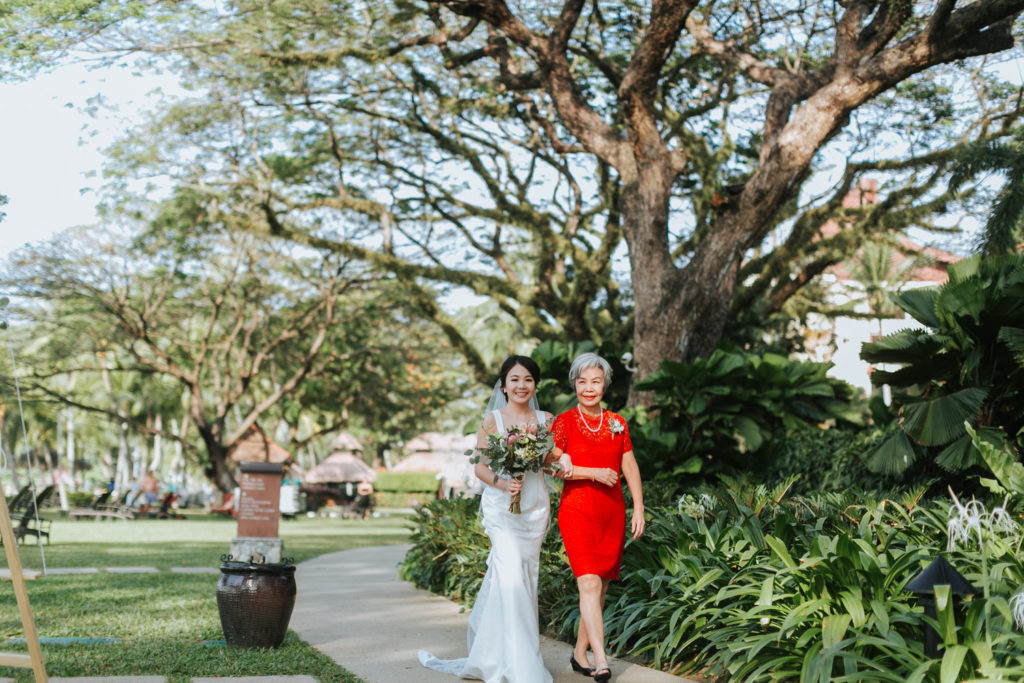 rasa sayang penang garden wedding munkeat walk down isle