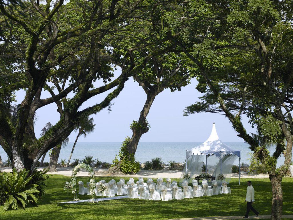shangri-la rasa sayang garden wedding penang rain trees fairytale