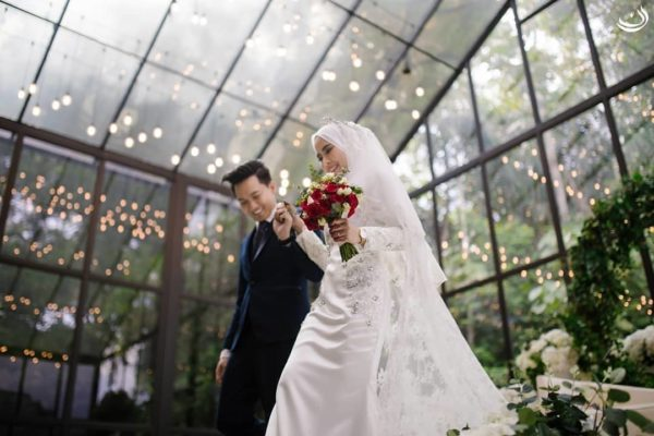 forest valley cheras wedding hall glass house couple